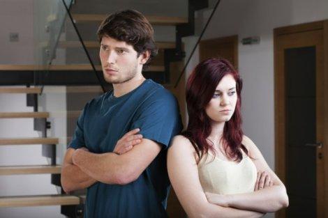 Incompatible couple have a crisis