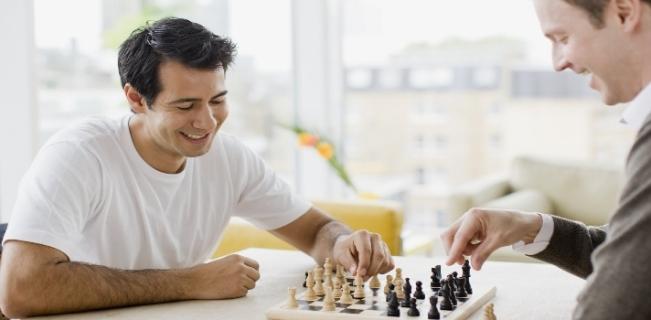 jugando-ajedrez.jpg